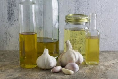 Low FODMAP Garlic-Infused-Oil-Main-Image