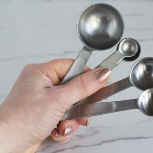 Using the right measuring tools are important in the Low FODMAP diet. We love our measuring spoons!