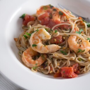 Low FODMAP Capellini and Shrimp Fra Diavolo