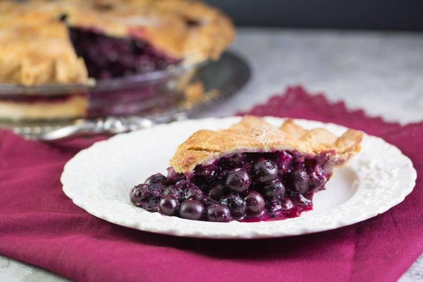 low FODMAP blueberry pie slice