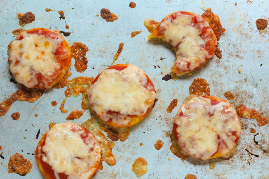 A cooking sheet with Mini Polenta Pizza - ready to eat!