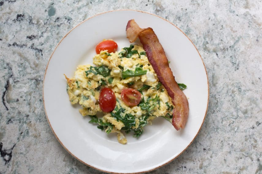 what to eat scrambled eggs