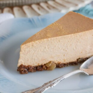 Pumpkin Cheesecake with Gingersnap crust slice