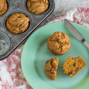 pumpkin muffins with raisins