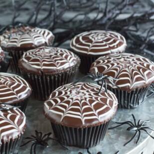 spider web cupcakes 2