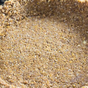 Pat-in crust made with FODY cereal and ground pecans