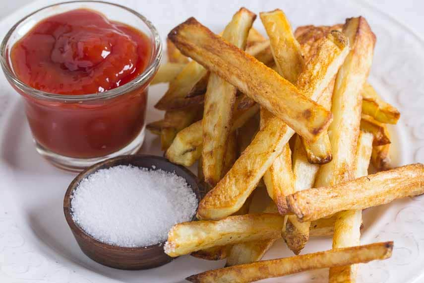 best oven baked fries with ketchup and salt- FODMAP Everyday