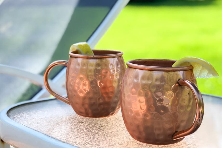low FODMAP Moscow mule in chilled mugs