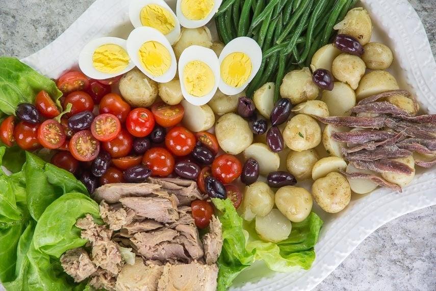 low FODMAP salade nicoise overhead image