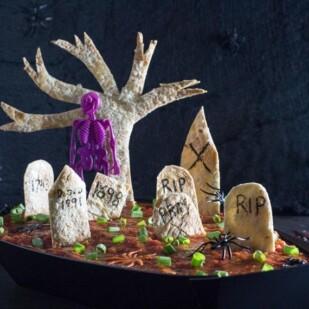 Low FODMAP spooky Graveyard 7 layer dip-2