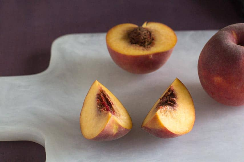 low FODMAP amount of yellow peaches_