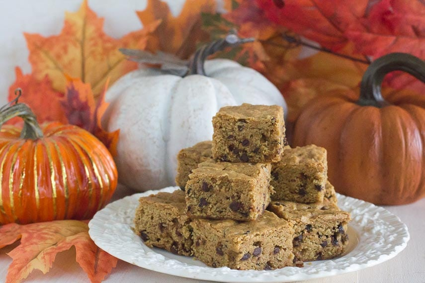 low FODMAP & gluten-free pumpkin spice mocha latte blondies on white plate