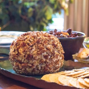 our low FODMAP Blue Cheese & Cheddar Cheese Ball with Pecans