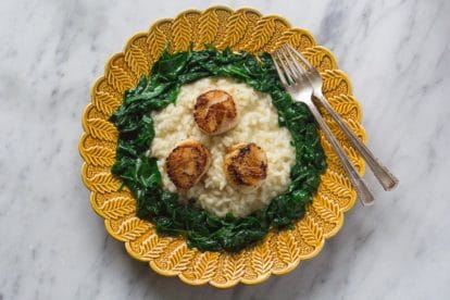 overhead of low FODMAP Lemon pepper risotto with pan seared scallops