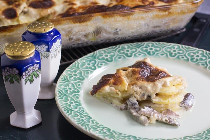 Low FODMAP Potato Cheese Gratin with Mushrooms