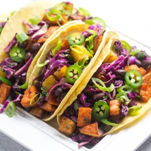 side overhead view of low FODMAP sweet potato tacos with black beans_