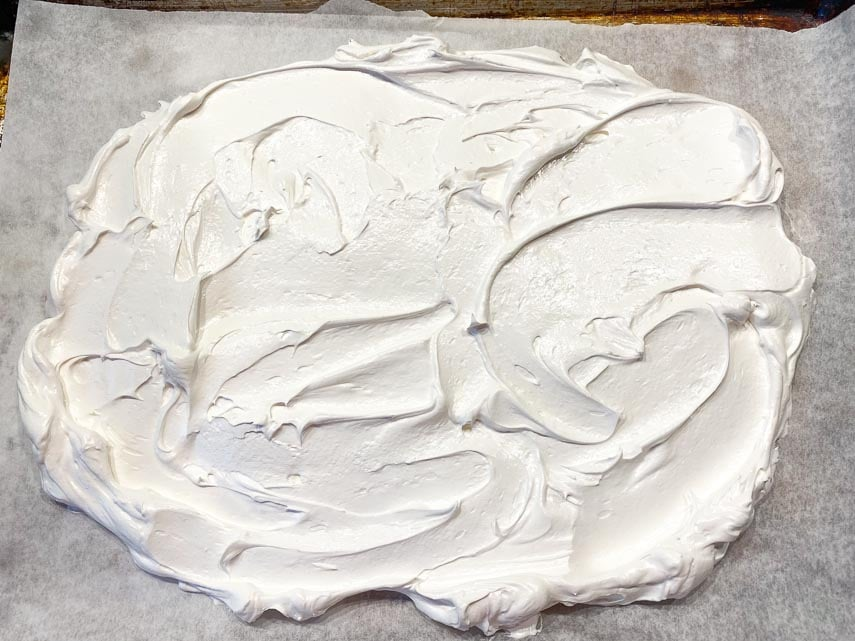 create large oval of meringue for slab pavlova