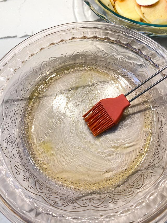 olive-oil-brushed-all-over-the-inside-of-a-glass-dish-1