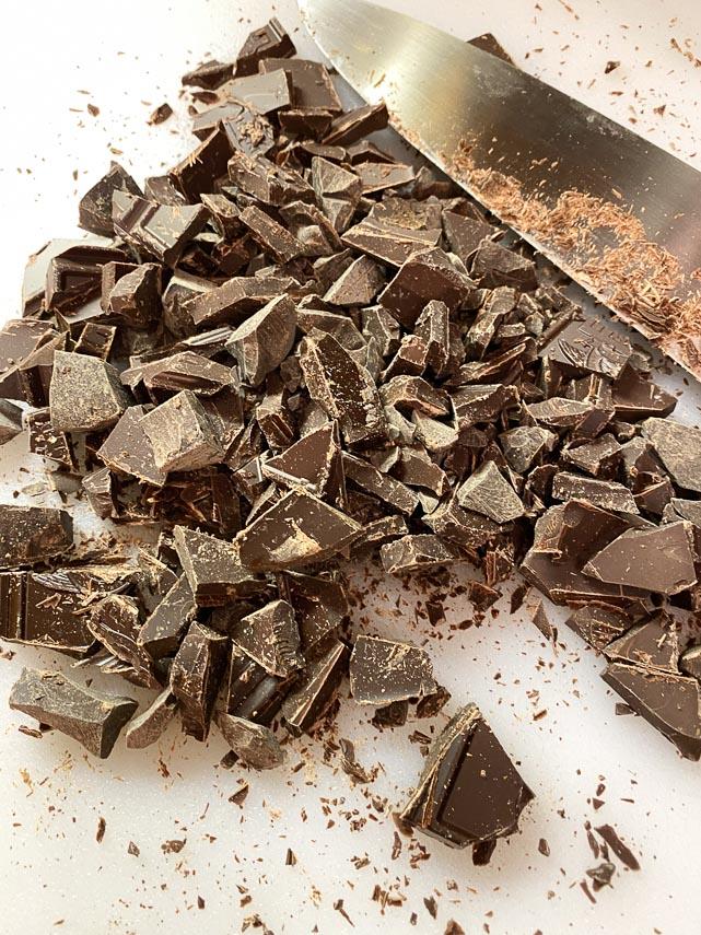 chopping-chocolate-for-chocolate-chunk-bars