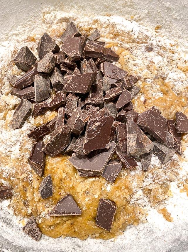 folding-chocolate-chunks-into-blondie-batter