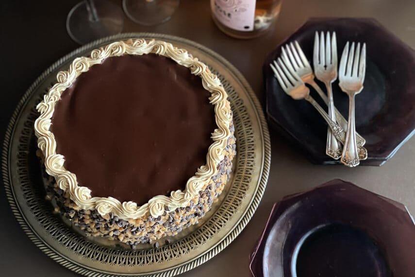 overhead-image-of-Low-FODMAP-Mocha-Toffee-Crunch-Cake-on-dark-surface