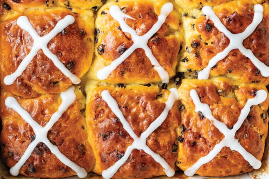 Hot cross buns by Flour Craft closeup, icing applied, in pan_