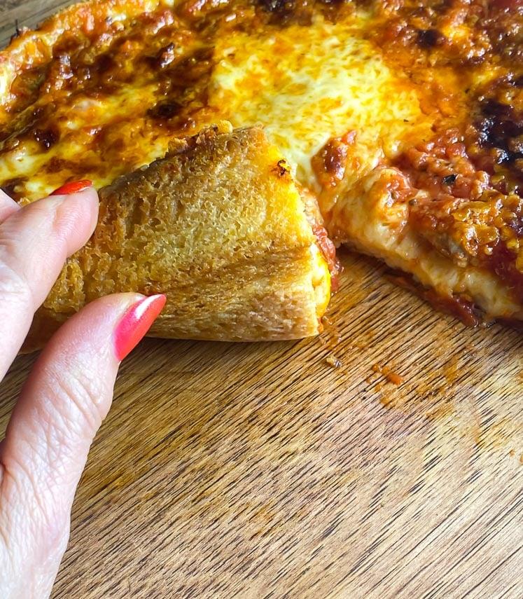 bottom crust of deep-dish pizza